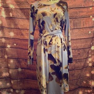 Beautiful Simply Vera dress. Size large.